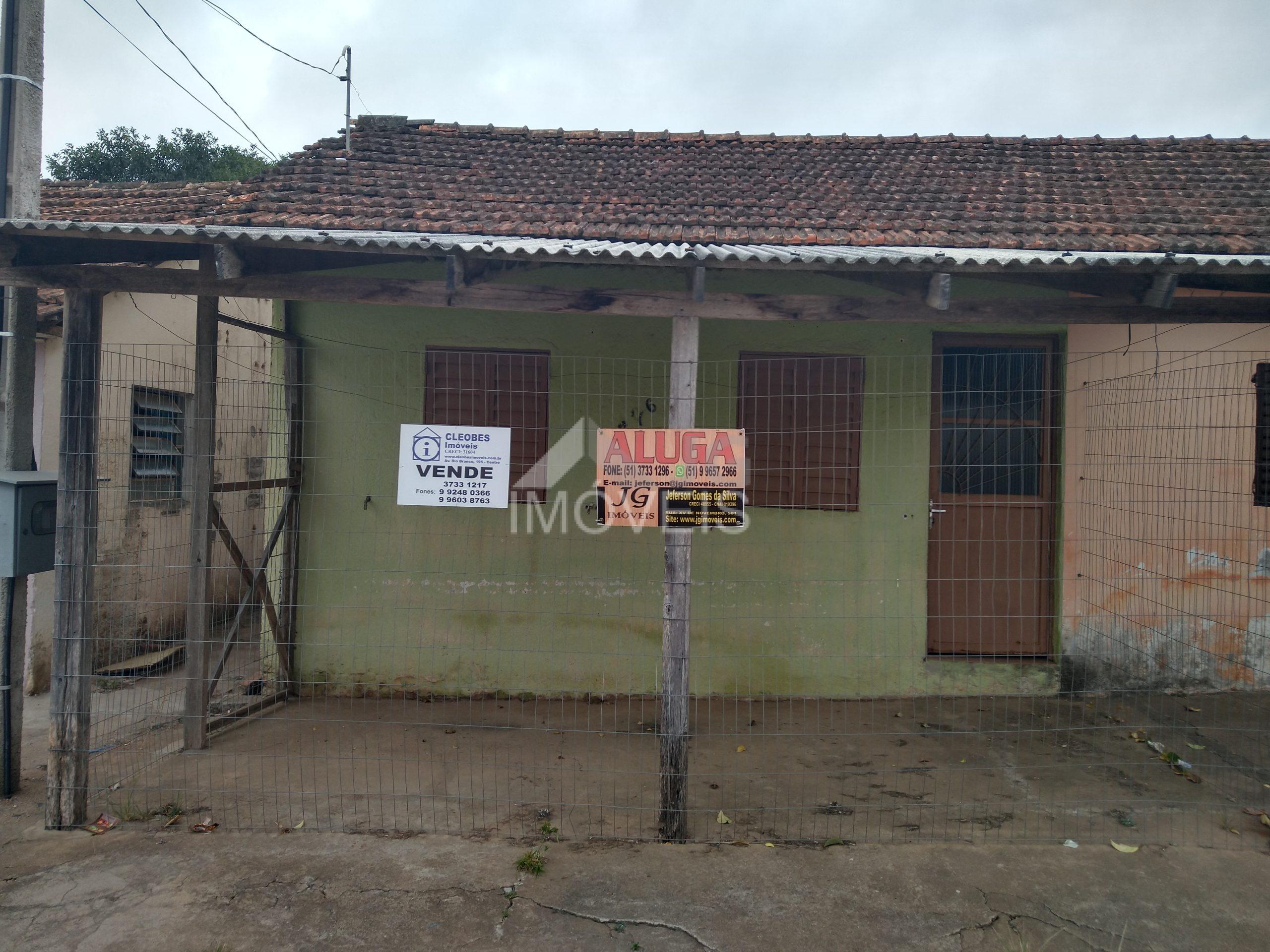 CASA NA QUATRO DE DEZEMBRO: